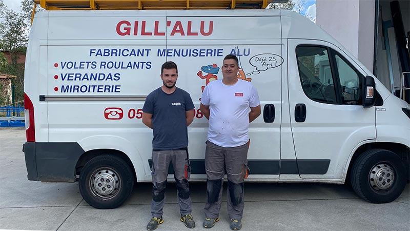 Equipe de poseurs de menuiseries chez Gill-Alu à Aucamville